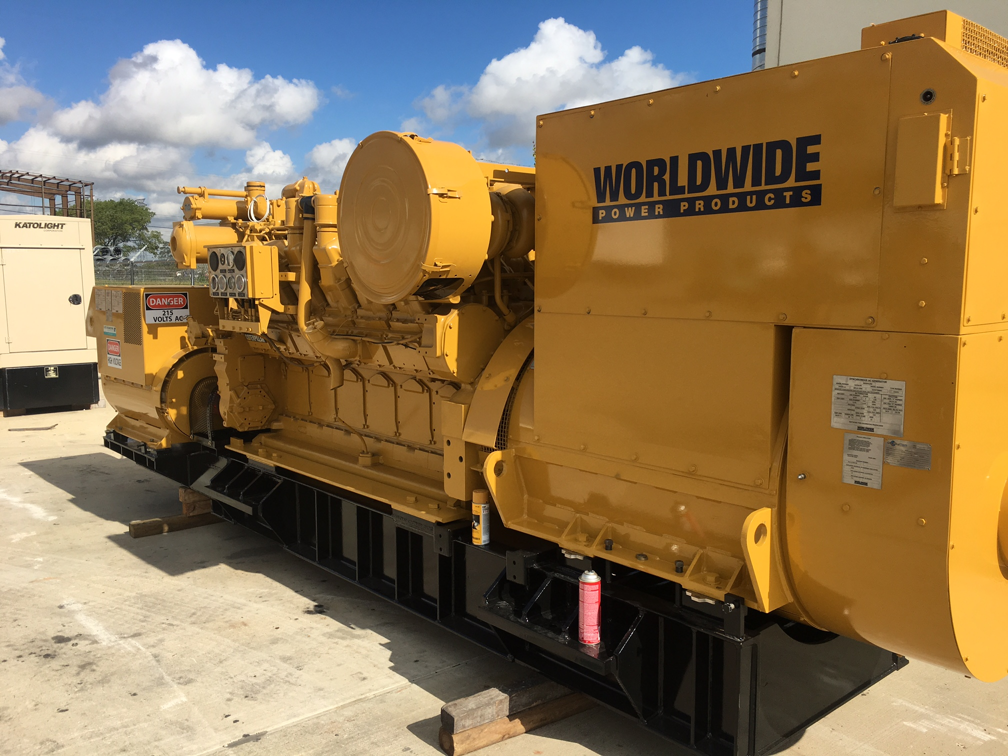 Cat 3512 locomotive custom package