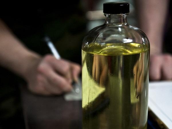 Writing down diesel fuel quality in bottle