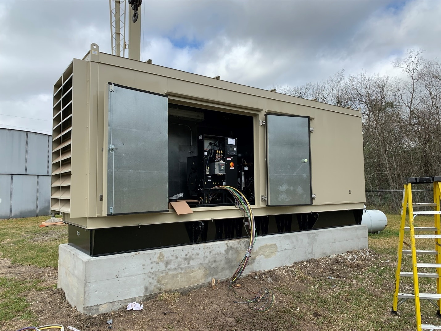 Multiple MUD project - generator with custom enclosure